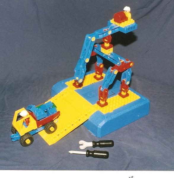C715: LEGO TOOLO