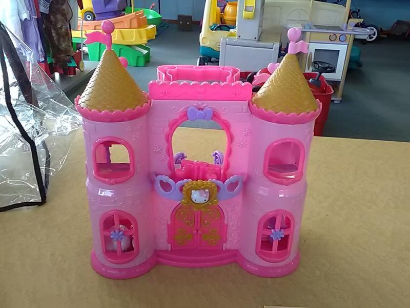 1200: hello kitty fairytale castle
