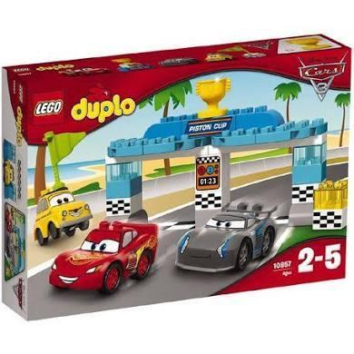 100: disney cars duplo set