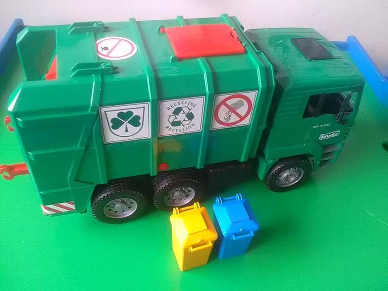 175: Rubbish truck