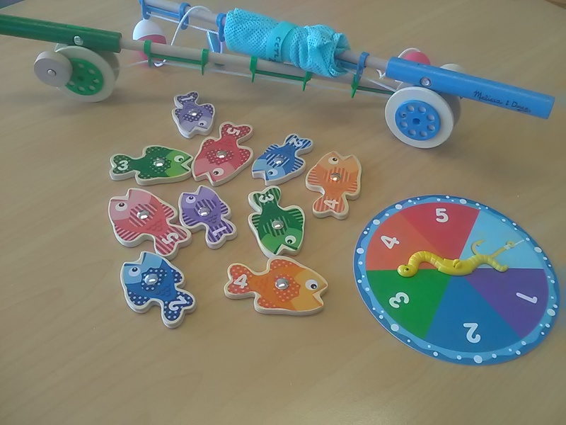 200: Catch and count fishing game