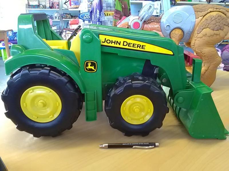 253: TRACTOR LOADER John Deere