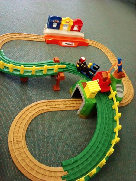 1056: Fisher Price Fun town railway