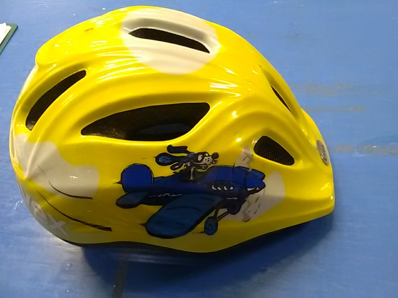 1069: Yellow Helmet