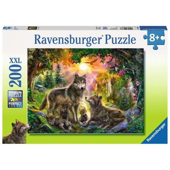 P586: 200 piece Puzzle - Wolf Family