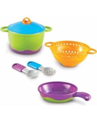 E922: Cooking Dinner Set