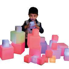 D133: Colour Changing Cubes