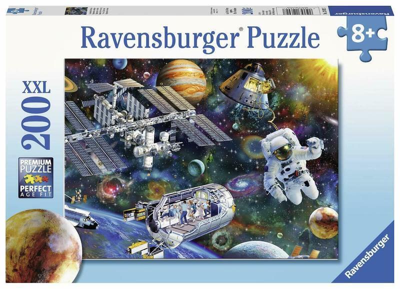 P777: 200 piece Puzzle - Cosmic Exploration