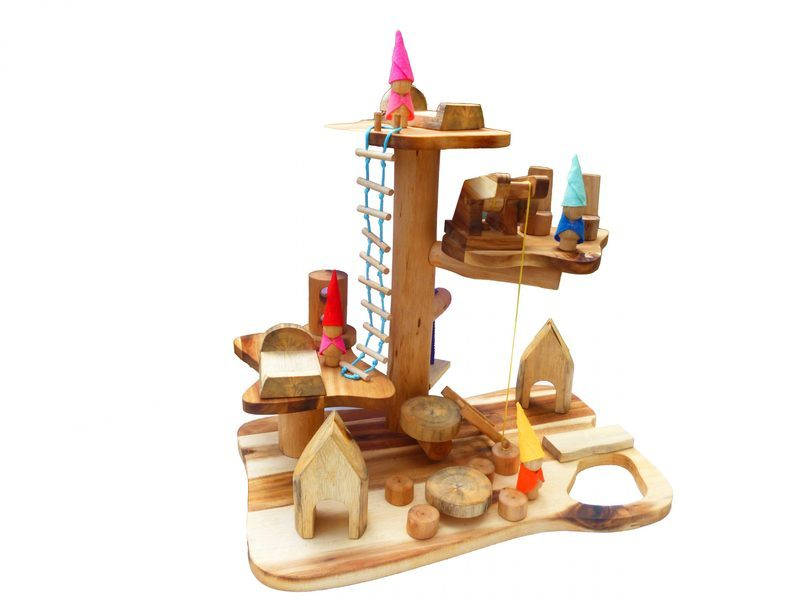 I154: Wooden Gnomes' House