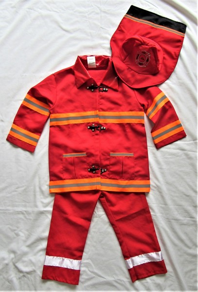 7154: FIREMAN DRESS-UP OUTFIT (Size 3-6)