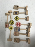 770: Wooden Traffic Signs Set 2