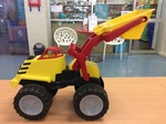 E2.853.1: Red and Yellow Sand Dozer