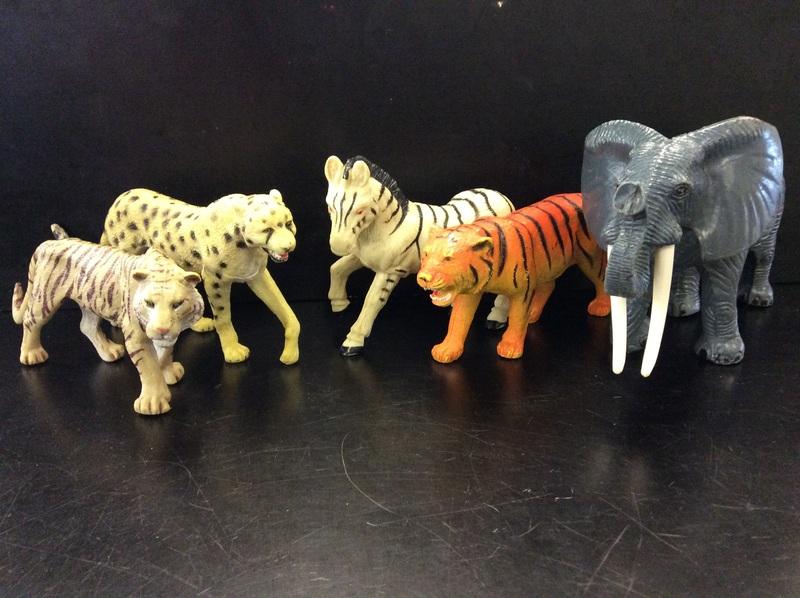 E2.116.1: AFRICAN ANIMAL SET
