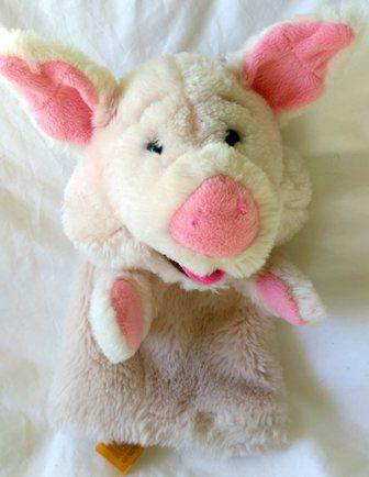 E2.112.32: PIG PUPPET