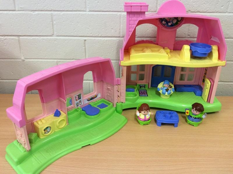 E2.007.7: Little People House