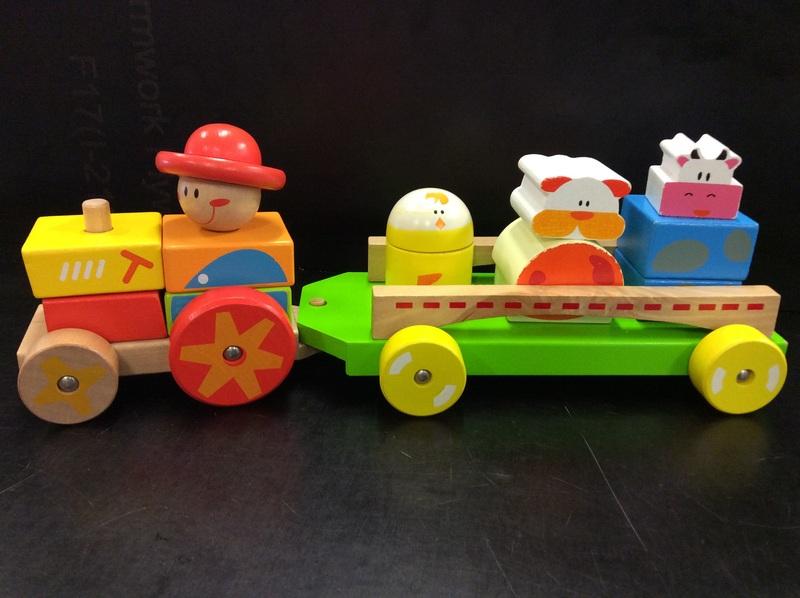 E2.005.4: Farm Friends Stacking Train