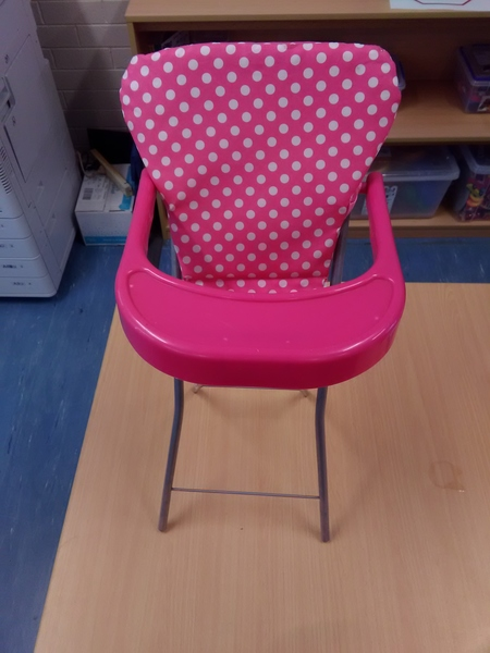 E2.086.3: Pokka Dot High Chair