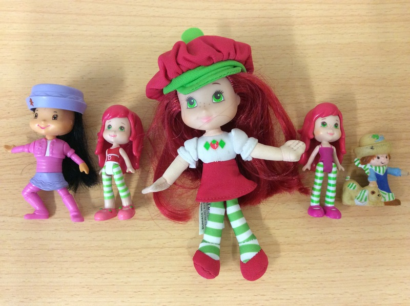 E2.519.5: Strawberry Shortcake Dolls and Friends