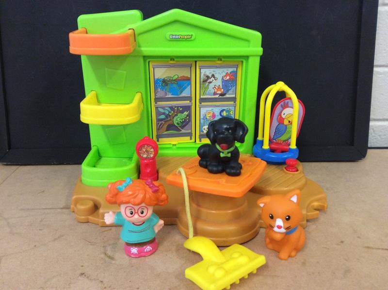 E2.735.2: Little People Pet Center