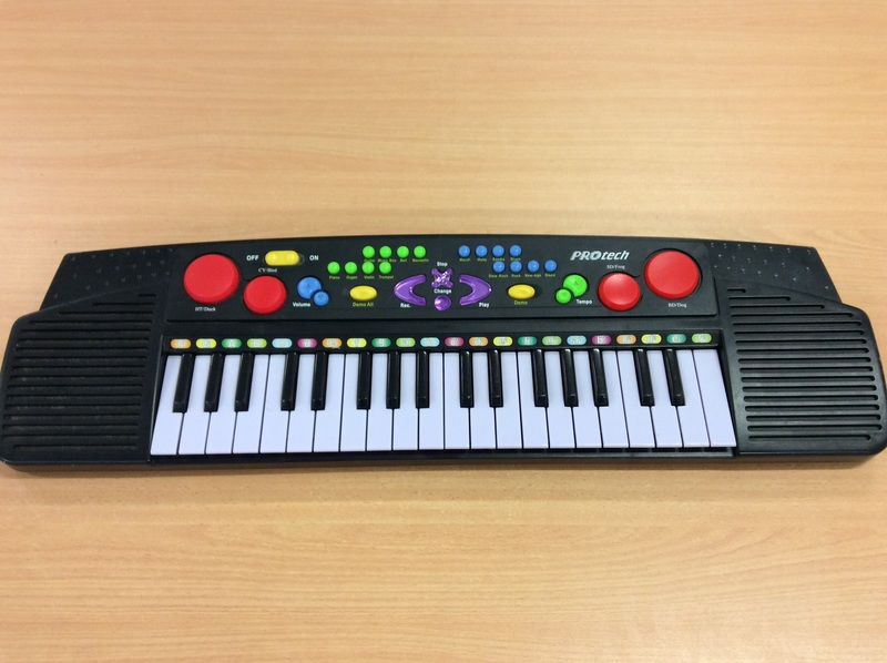 D2.003.4: PROtech Electronic Keyboard