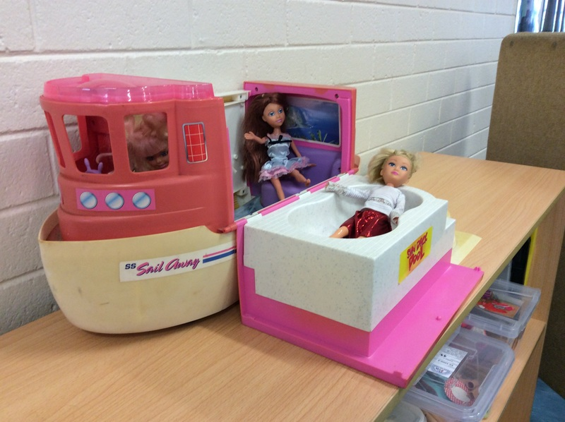 E2.924.7: Barbie Boat