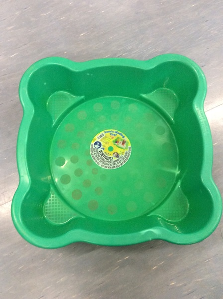 E1.374.6: Green Water Tray