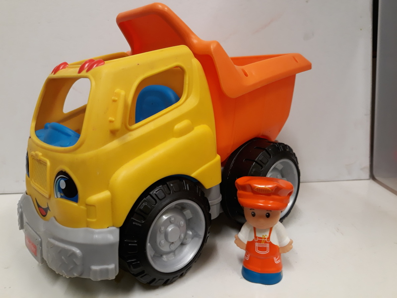 E2.261.4: Fisher Price Dump Truck