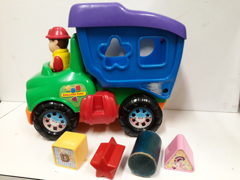 E2.261.5: Dump Truck with Shapes