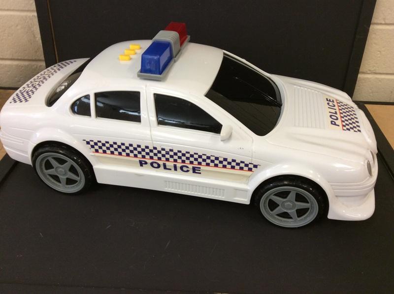 E2.100.6: POLICE CAR