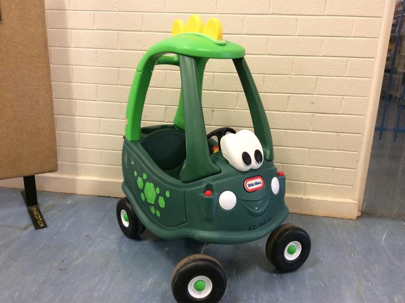 A2.043.21: Cozy Dino Car