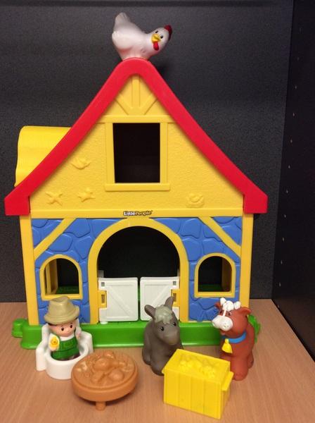 E2.435.1: Little People Farm House