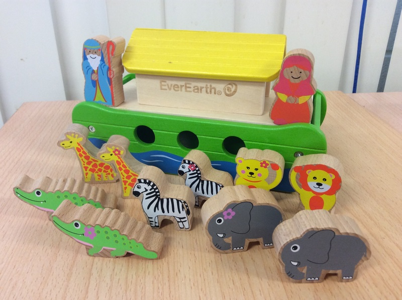 E2.164.1: WOODEN NOAHS ARK PLAY SET