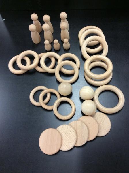 D1004.2: Wooden pieces