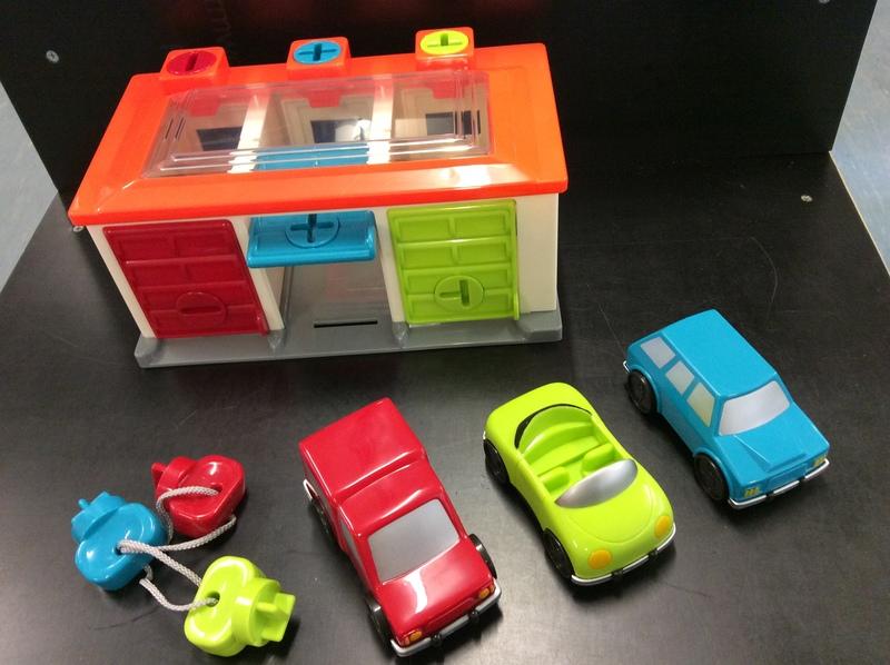 E27733: Battat 3 Car Garage