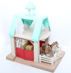 E2.148.3A: LITTLE TIKES HORSE STABLE WITH 2 PEOPLE