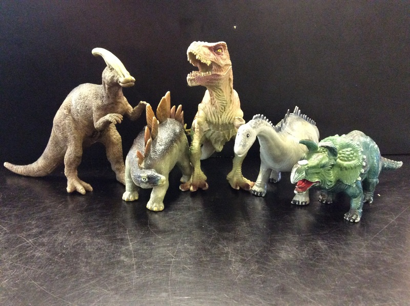 E2.170.1: ASSORTED DINOSAUR SET