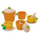 E2.769.1: WOODEN TEA SET