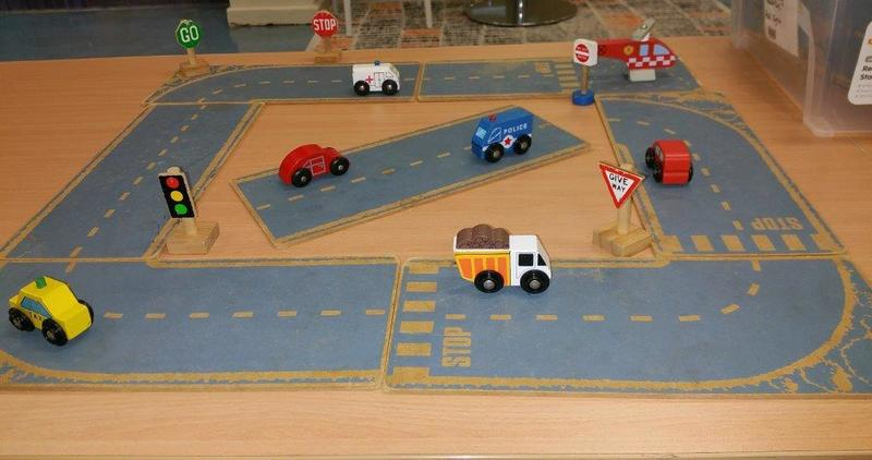 E2.773.1: ROADWAY PLAY TRACK AND CARS