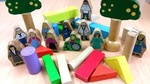 C3.420.2: WOODEN BLOCKS AND WOODEN PEOPLE
