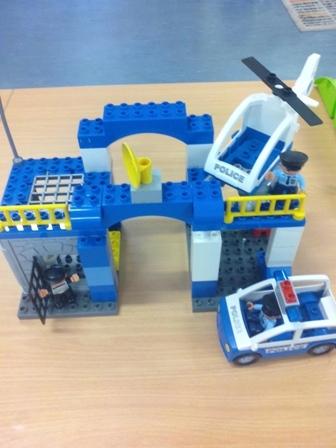 E2.948.1: LEGO/DUPLO POLICE STATION