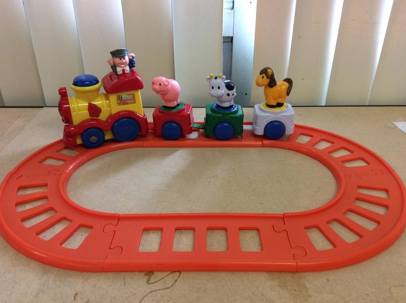 E2.951.1: TRAIN SET