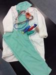 E2.978.3: Dress ups - Doctor