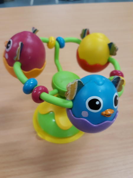 B1.002.4: 3 Baby Chicks Table Top Suction Toy