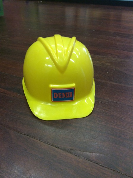 e2.974.2: Yellow Hard Hat