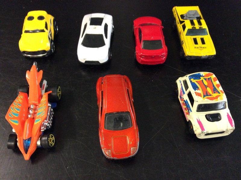 E2.110.7: HOTWHEELS CAR SET