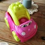C3.396.4: Pink car with blocks