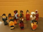 E3005: Wooden Family Figures