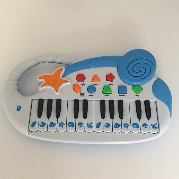 BBY022: Keyboard/Piano Toy