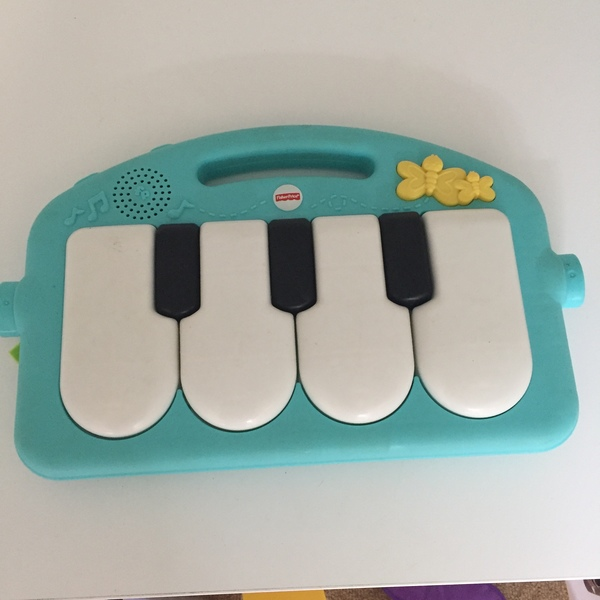 BBY023: Keyboard/Piano Toy - FisherPrice