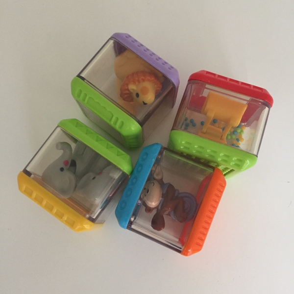 BBY035: Rattle Cubes - set of 4
